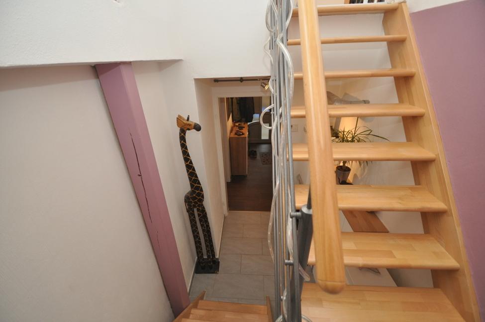 Treppe zum Dachgeschoss-1
