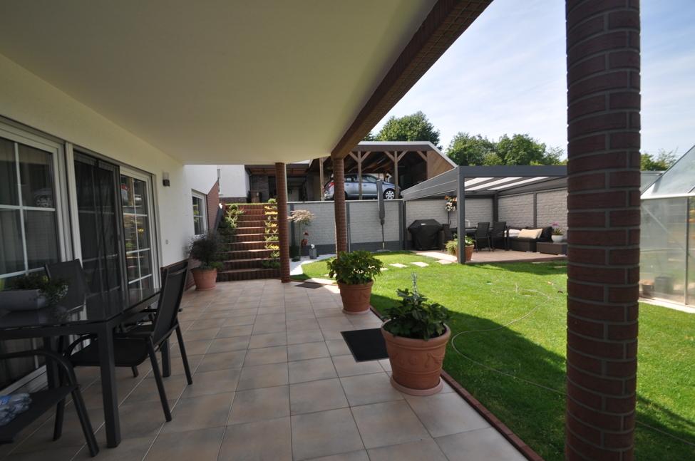 Untergeschoss-Terrasse