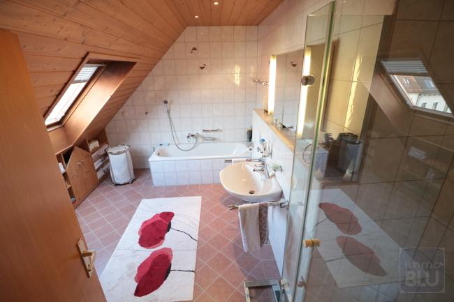 2. Badezimmer 2. Ebene