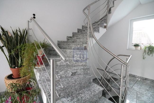 freundliches Treppenhaus