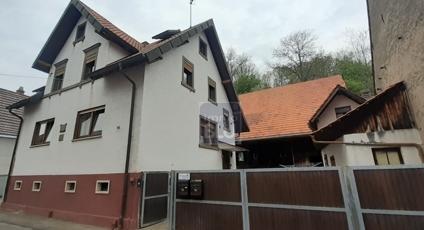 großes 2Familien-Haus
