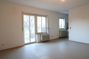 helles Appartementzimmer