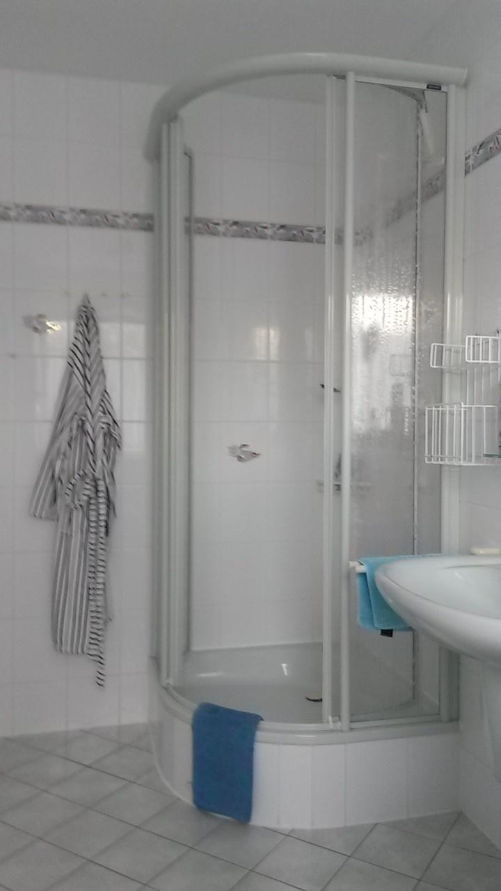 Bad 2 Dusche