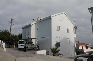 Haus und Hinterhof