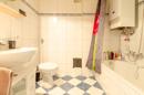 EG - Bad mit Wanne und Gas-Etagenheizung