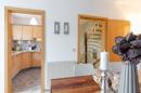 Essbereich mit Blick zur Küche und Flur