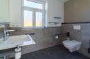 Da sag mal einer, Gäste-WCs sind immer klein! Diese Quadratmeter zeigen, dass es auch anders geht! Und zwar in schön!