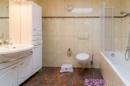 Sie wünschen sich ein großzügiges Bad mit Wanne und viel Platz? Bitteschön - kein Problem für Ihr neues Haus!