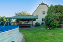Pool, Pavillon, Privatsphäre: ein herrlicher Garten, oder?