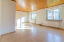 Hell, groß, gemütlich: das Wohnzimmer im Erdgeschoss wird Ihnen viele schöne Stunden bescheren.