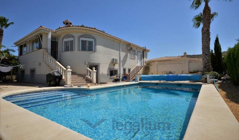 schönes 3 Schlafzimmer Haus zu verkaufen Alicante