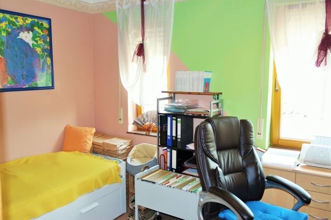 OG-Büro/ Kinderzimmer, Bild 2