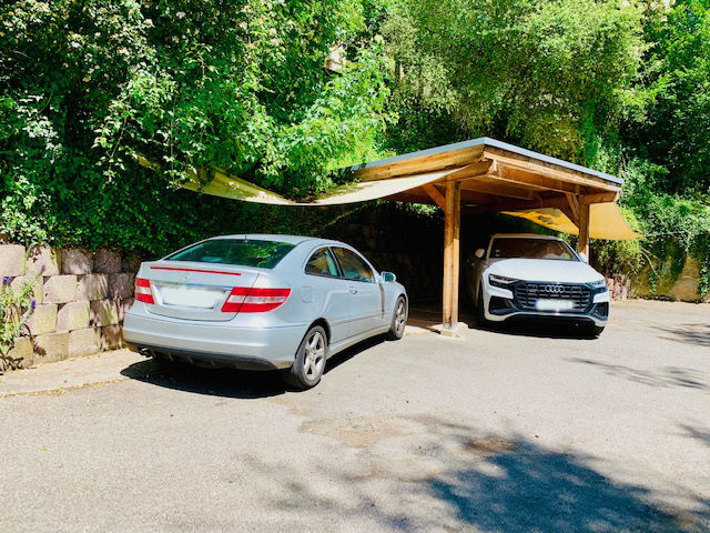 2 optionale Parkplätze