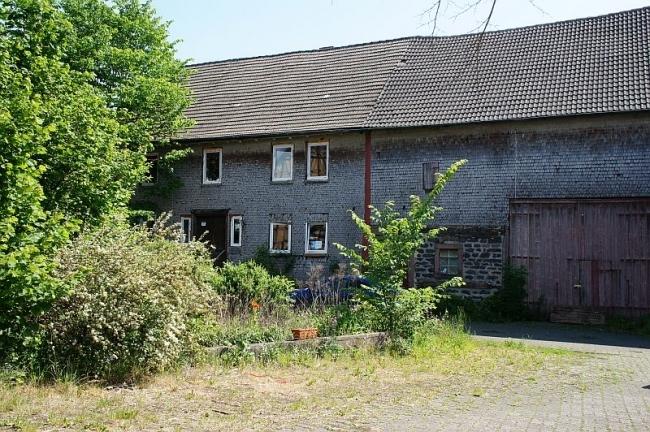 Haupthaus + Scheune