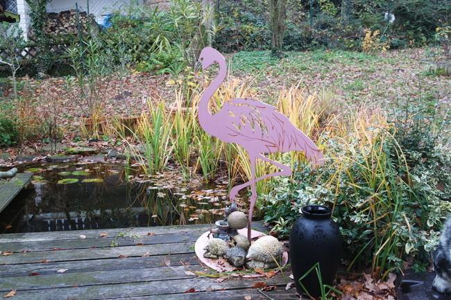Kleiner Gartenteich direkt vor dem Wintergarten