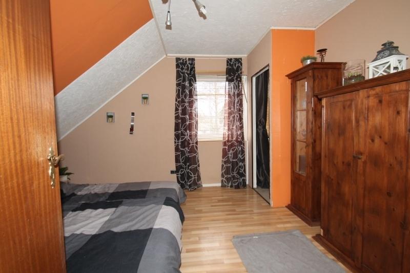 Schlafzimmer Dachgeschoss Bild 1