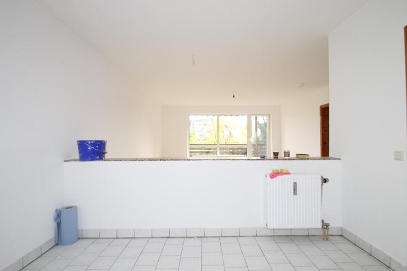 Küche in Richtung Wohnbereich