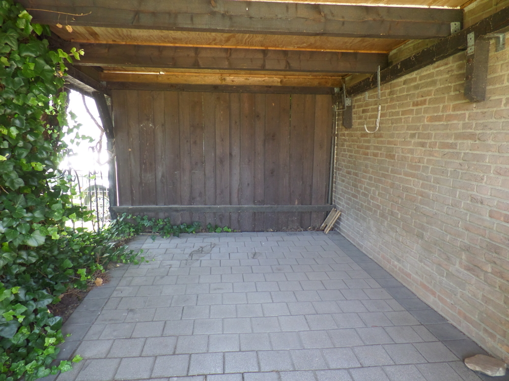 Carport 1