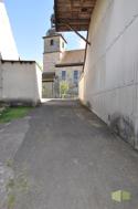 Zufahrt zur Garage in dr Scheune