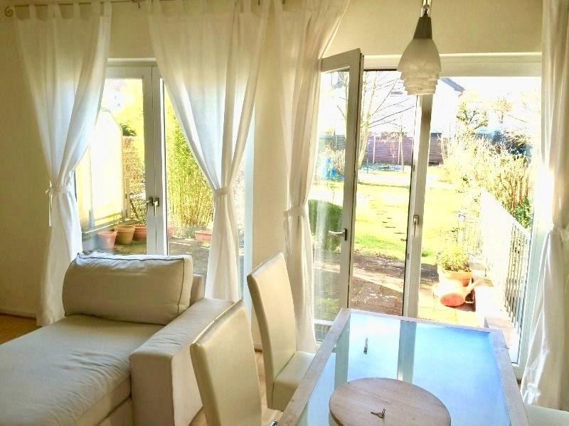 Wohnraum und Zugang Terrasse