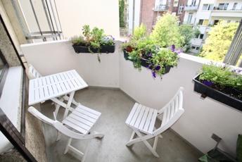 netter, ruhiger Balkon