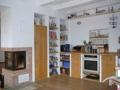 Wohn- Küchenbereich mit Kamin