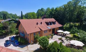 Exklusives Landhaus in ruhiger Lage von Kirchham