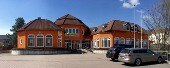 Gepflegte Immobilie mit Gewerbefläche im EG