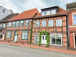 Fachwerkhaus mit Kirchblick