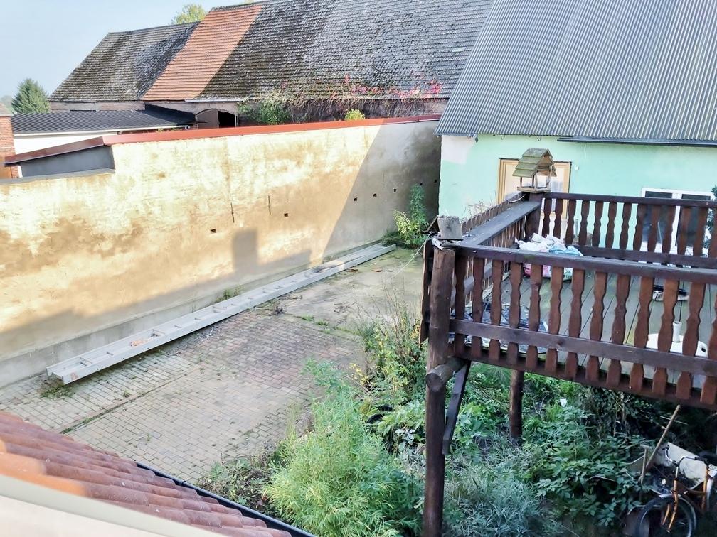 Hof und Terrasse