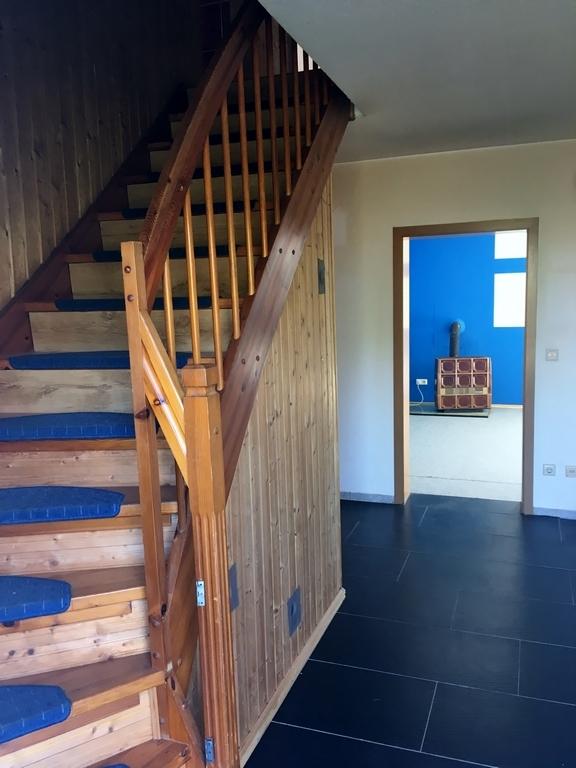 Flur und Treppe