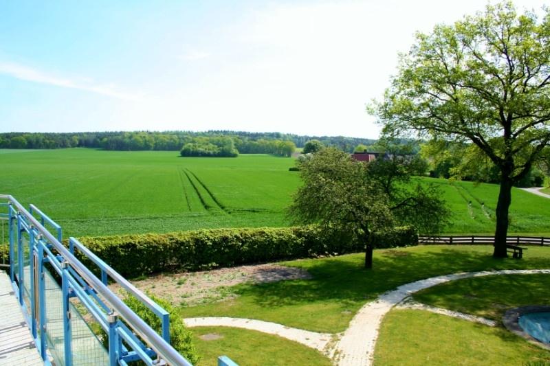 Blick vom Balkon über die Felder