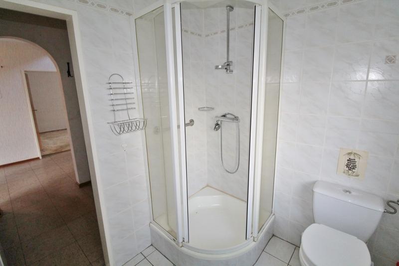 ...mit Dusche