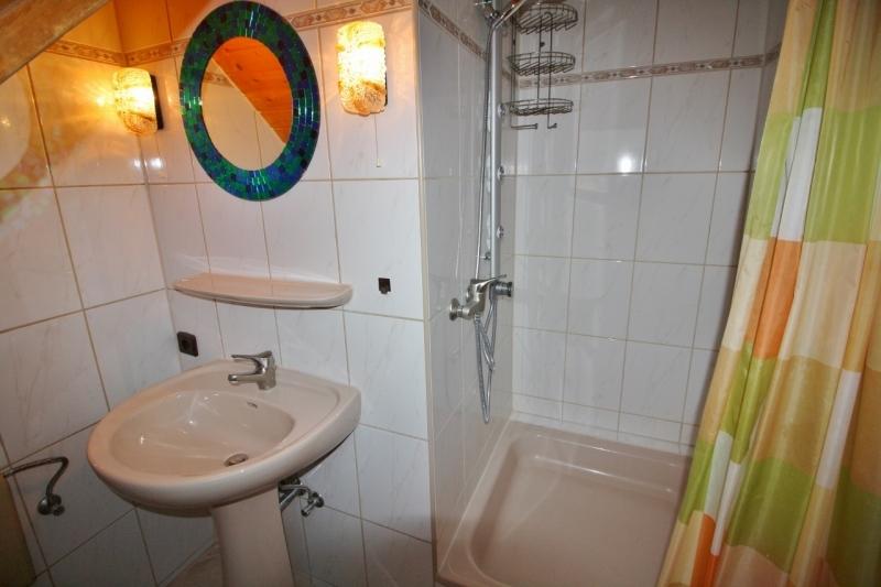 ...mit Dusche...
