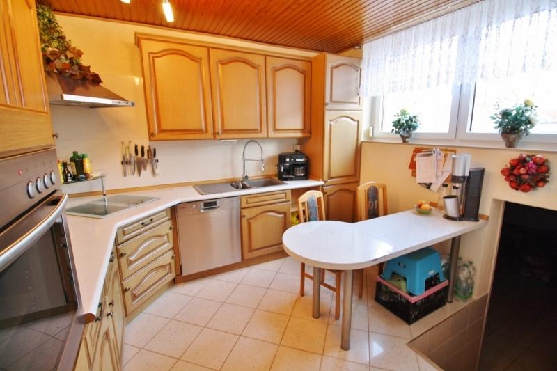 Küche mit Zugang in den Keller...