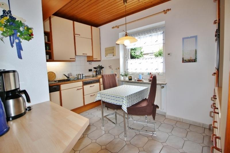 Küche mit Sitzmöglichkeit...
