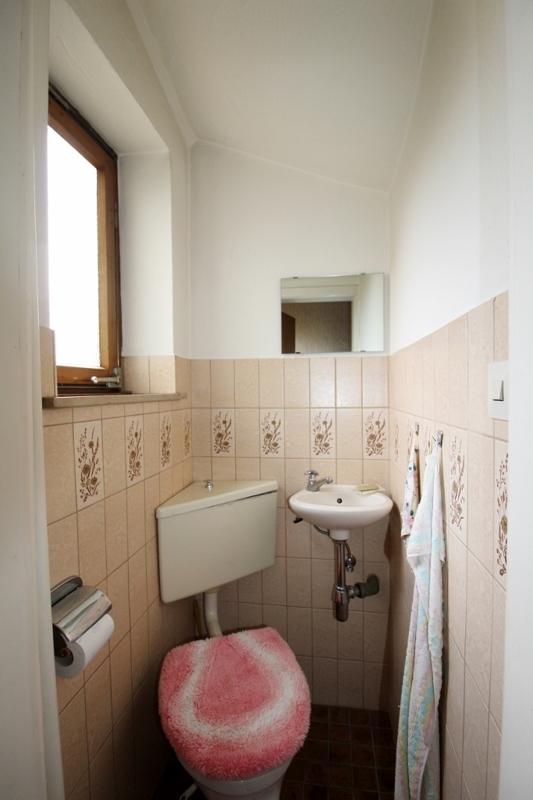 Gäste-WC - Vorderes  Haus
