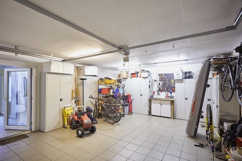 ...Garage...