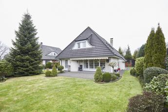 Haus in Stuhr-Moordeich – Hechler & Twachtmann Immobilien GmbH