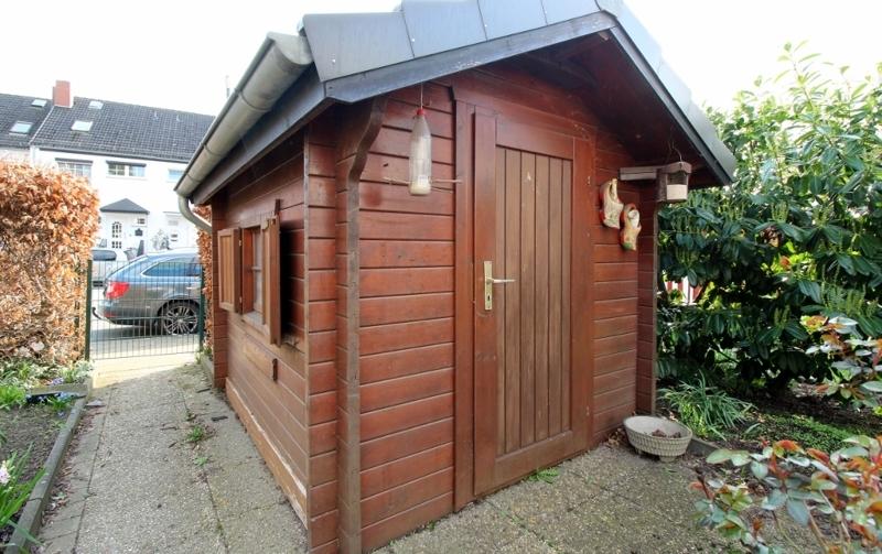 ...mit Holzhaus