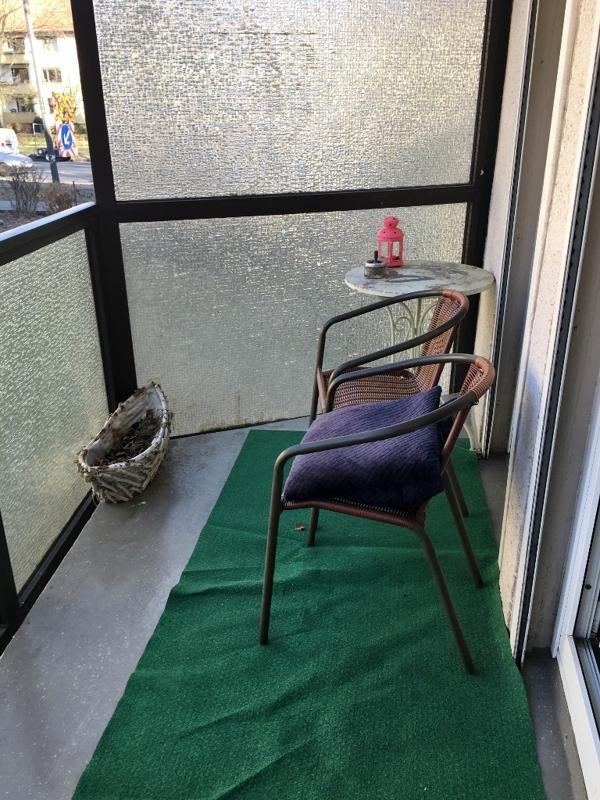 mit Zugang auf den Balkon