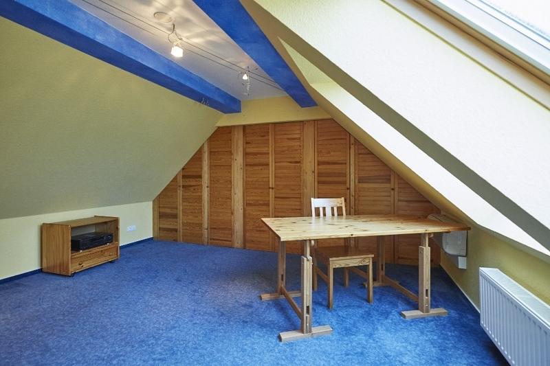 Spitzboden – Raum 1
