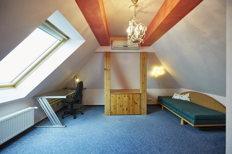 Spitzboden – Raum 2