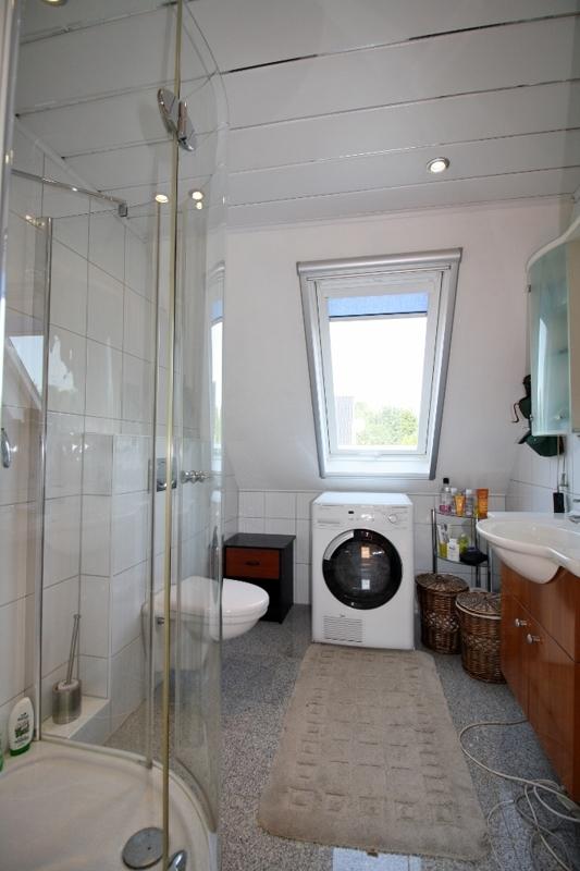 und Zugang ins Duschbad