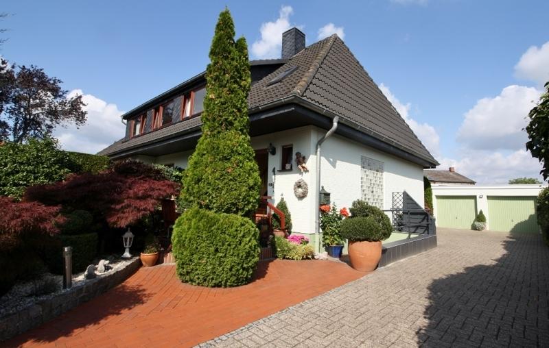 Haus Verkauf Zweifamilienhaus Weyhe Erichshof Hechler & Twachtmann Immobilien GmbH