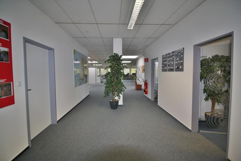 Zugang zum Großraumbüro