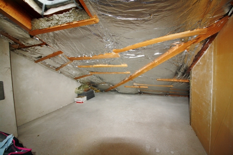 Abstellfläche im Dachgeschoss