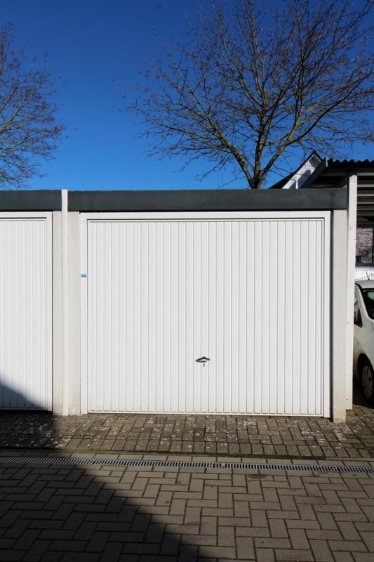 Garage auf dem Garagenhof