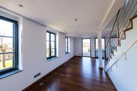 Wohnung_links_Hautgebäude