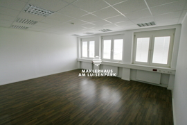 IMG_9021_Büro_1.E-02